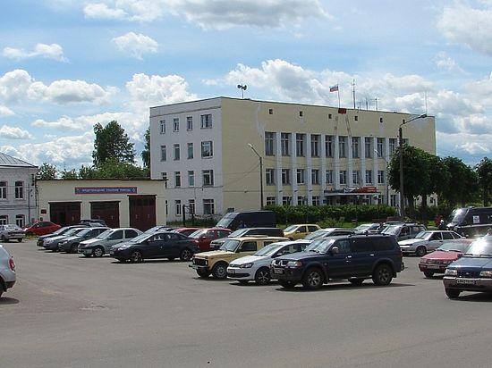 Под Костромой в Красноселье делят власть. Ювелирной столице пора выходить из тупика