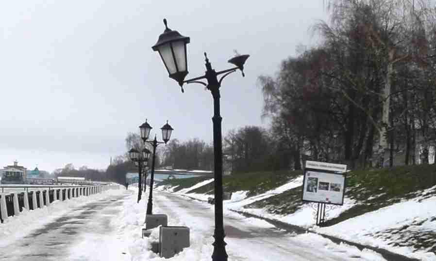 В Костроме после нашествия вандалов отремонтируют фонари вдоль Волги , фото-1