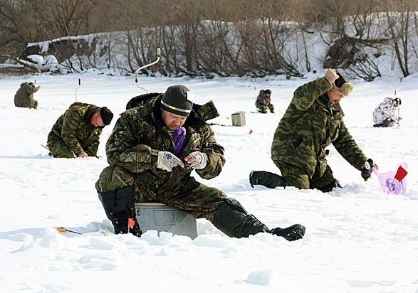 В лове рыбы со льда соревновались более 60 костромичей, фото-1