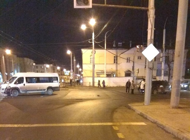 В Костроме три девушки пострадали в ДТП, фото-1