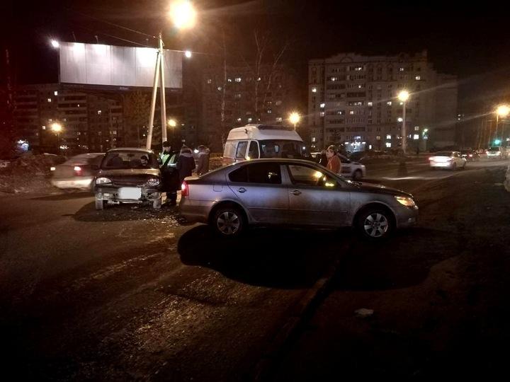 В Костроме три девушки пострадали в ДТП, фото-2